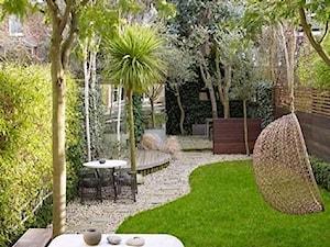 small garden - Duży taras z tyłu domu - zdjęcie od Marzena
