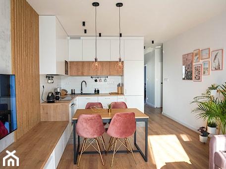 Aranżacje wnętrz - Kuchnia: Mieszkanie Pani Julii - Kuchnia, styl eklektyczny - Inspiracje użytkowników. Przeglądaj, dodawaj i zapisuj najlepsze zdjęcia, pomysły i inspiracje designerskie. W bazie mamy już prawie milion fotografii!