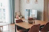 welurowe krzesła w salonie