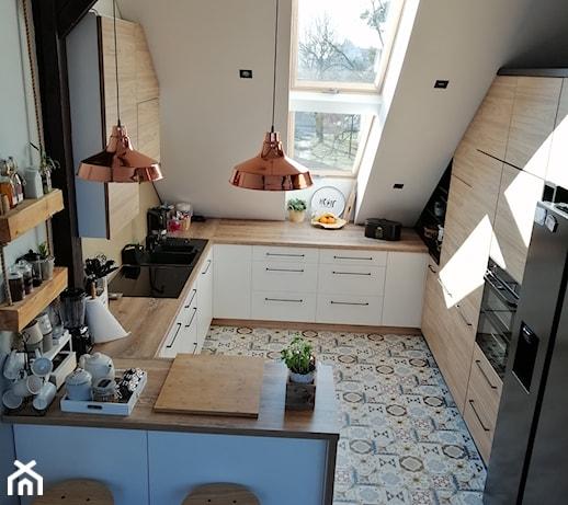 Organizacja szafek w kuchni – poznaj niezawodne sposoby na kuchenny porządek