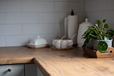 kuchnia z białą cegiełką