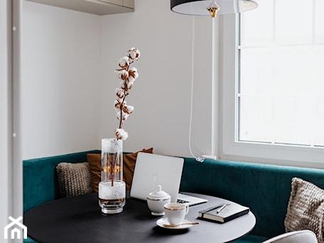 Aranżacje wnętrz - Jadalnia: Jak remontować i nie zwariować - Jadalnia, styl nowoczesny - Interiors design blog. Przeglądaj, dodawaj i zapisuj najlepsze zdjęcia, pomysły i inspiracje designerskie. W bazie mamy już prawie milion fotografii!