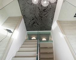schody+z+balustrad%C4%85+i+podestem+szklanym+-+zdj%C4%99cie+od+P%26P+Kotula+Schody