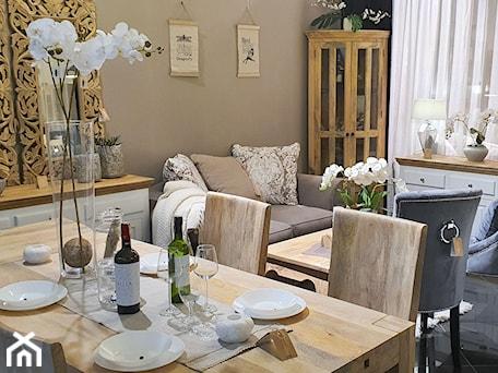 Aranżacje wnętrz - Salon: Pokój dzienny wraz z jadalnią z meblami z litego drewna - Cudne Meble. Przeglądaj, dodawaj i zapisuj najlepsze zdjęcia, pomysły i inspiracje designerskie. W bazie mamy już prawie milion fotografii!