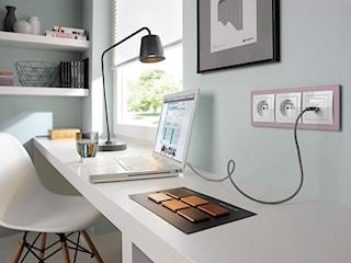 Jakie gniazdka są niezbędne w domowym biurze?