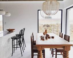 Eklektyczny dom realizacja 2021 - Jadalnia, styl eklektyczny - zdjęcie od PT8 INTERIOR DESIGN Magdalena Lech Biuro projektowania wnętrz - Homebook