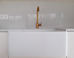 Eklektyczny dom realizacja 2021 - Kuchnia, styl minimalistyczny - zdjęcie od PT8 INTERIOR DESIGN Magdalena Lech Biuro projektowania wnętrz - Homebook