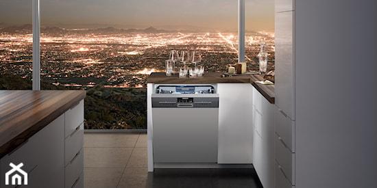 Zobacz jak łatwo być EKO Oszczędzaj wodę dzięki zmywarkom   -> Kuchnia Wolnostojąca Siemens