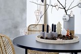 dekoracja świąteczna w stylu skandynawskim na stół