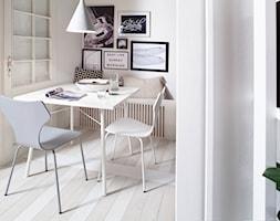 Wessel - Mała zamknięta biała jadalnia jako osobne pomieszczenie, styl skandynawski - zdjęcie od sfmeble.pl