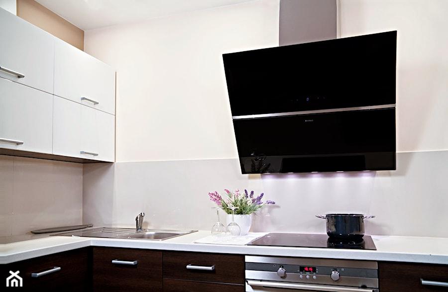 Mała otwarta kuchnia w kształcie litery l w aneksie, styl   -> Kuchnia Otwarta A Wentylacja