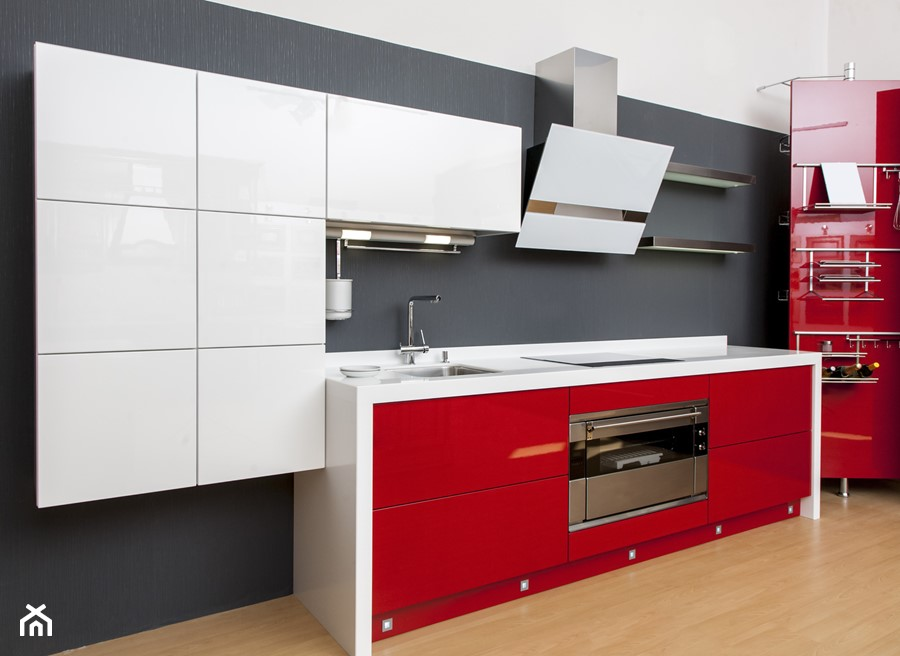 Czerwono biała kuchnia z okapem GLOBALO Boliro  zdjęcie   -> Kuchnia Z Okapem Teleskopowym
