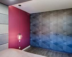 Elmo - Średnia różowa sypialnia małżeńska, styl nowoczesny - zdjęcie od Niuans projektowanie wnętrz - Homebook