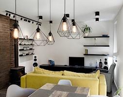 Elmo - Mały biały salon z jadalnią, styl nowoczesny - zdjęcie od Niuans projektowanie wnętrz - Homebook