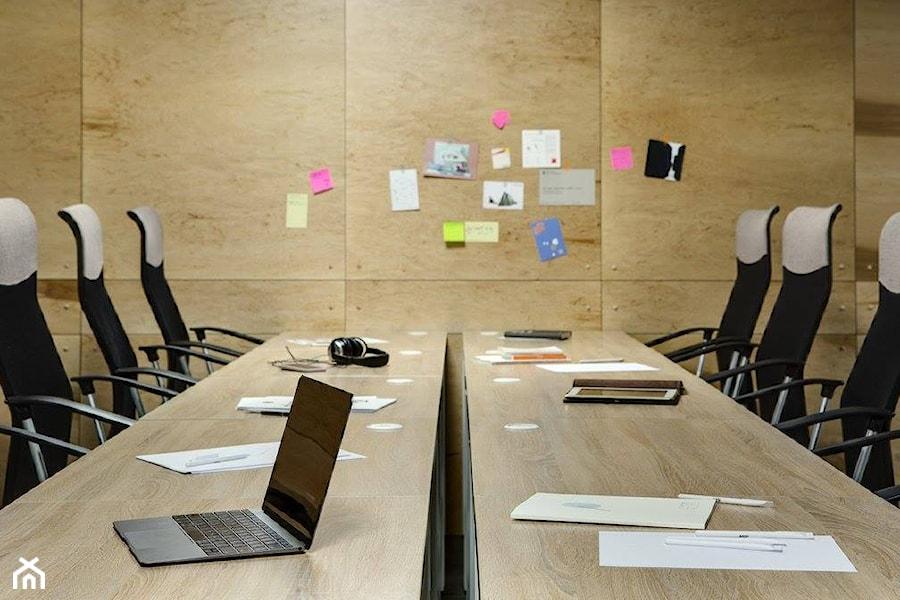 Hub 4.0 wnętrza publiczne styl industrialny zdjęcie od nika