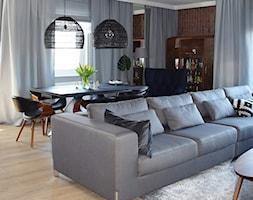 Na Modrzewinie - Mały szary salon z jadalnią, styl nowoczesny - zdjęcie od KOLORUM - Homebook