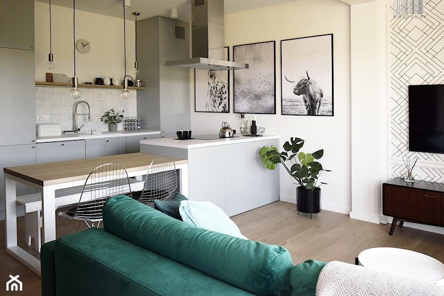 Soft loft - Średnia otwarta biała kuchnia jednorzędowa w aneksie z wyspą, styl skandynawski - zdjęcie od KOLORUM