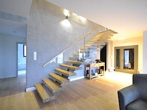 nowoczesne schody dębowe na profilu - zdjęcie od Schodo-System