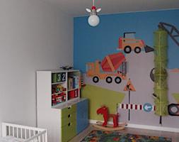 Pokój trzylatka - Mały szary pokój dziecka dla chłopca dla dziewczynki dla niemowlaka - zdjęcie od JC ARCHITEKCI