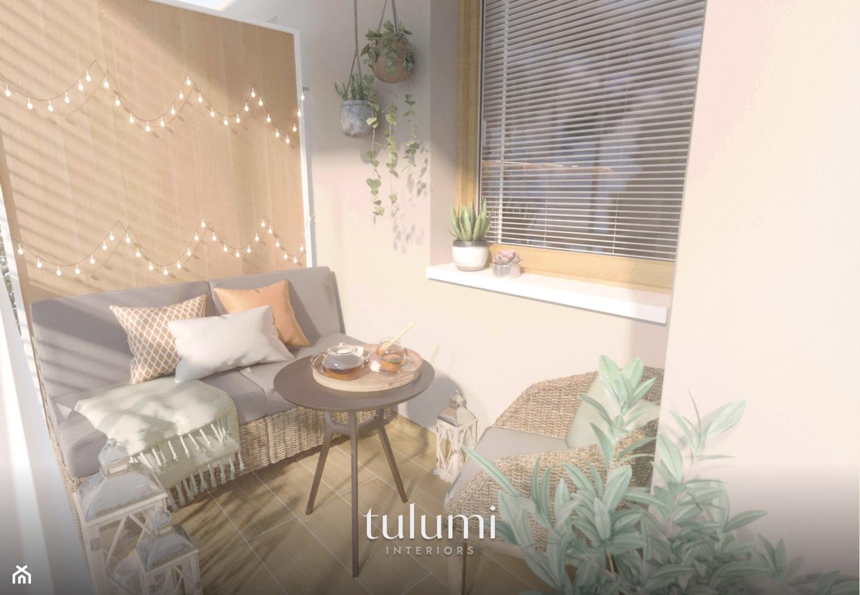 Strefa dzienna mieszkania, w którym można poczuć się jak w wakacyjnym domu. - Mały taras, styl eklektyczny - zdjęcie od tulumi interiors - Homebook