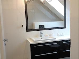 Łazienka biało-czarna