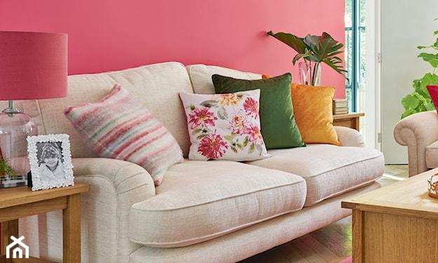 różowy salon w stylu glamour