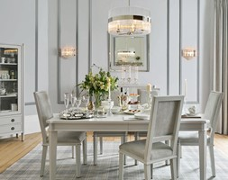Duża zamknięta biała szara jadalnia jako osobne pomieszczenie, styl glamour - zdjęcie od Laura Ashley