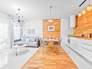 Apartament Wood & White - konkurs - Średnia biała kuchnia jednorzędowa w aneksie - zdjęcie od DISENO INTERIORS - Apartamenty PREMIUM