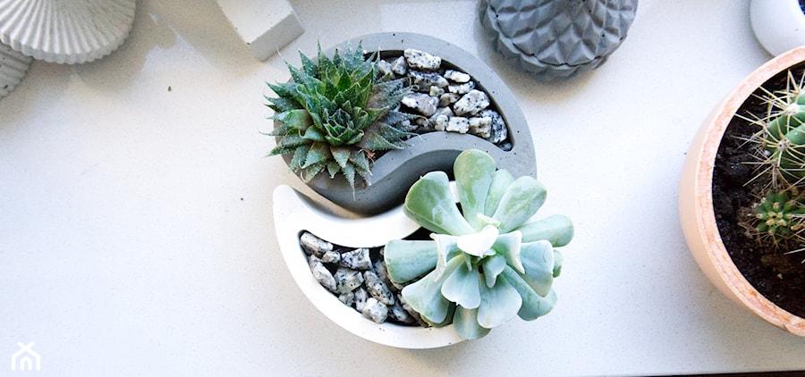 """Doniczka z betonu """"Yin Yang"""" - zdjęcie od Rausch Beton"""