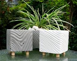 Doniczka z betony architektonicznego - Kolekcja satynowa - zdjęcie od Rausch Beton - Homebook