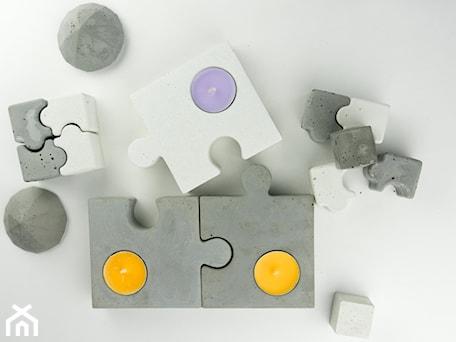 """Aranżacje wnętrz - Sypialnia: Komplet świeczników z betonu """"puzzle dazzle"""" - Rausch Beton. Przeglądaj, dodawaj i zapisuj najlepsze zdjęcia, pomysły i inspiracje designerskie. W bazie mamy już prawie milion fotografii!"""