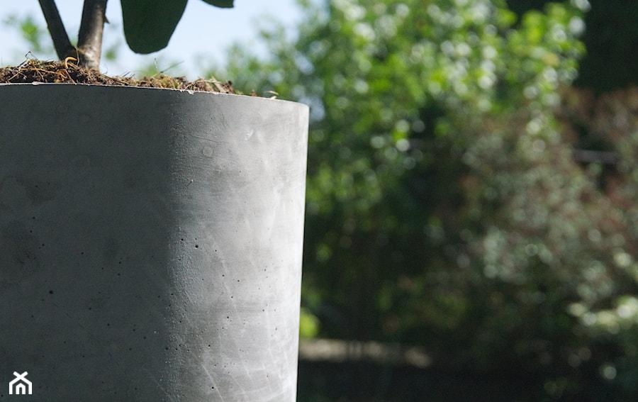 """Doniczka z betonu 'Felippe"""" - zdjęcie od Rausch Beton"""