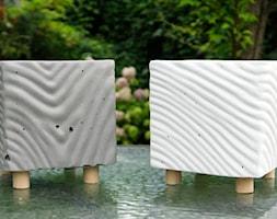 Doniczka z betony architektonicznego - Satin No.1 - zdjęcie od Rausch Beton - Homebook