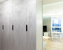 Mieszkanie w stylu glamour w Kaliszu - Hol / przedpokój, styl glamour - zdjęcie od E Home Design - Homebook
