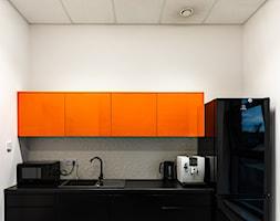Projekt biura firmy transportowej - Kuchnia, styl nowoczesny - zdjęcie od E Home Design - Homebook