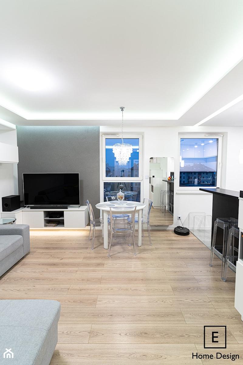 Mieszkanie w stylu glamour w Kaliszu - Salon, styl glamour - zdjęcie od E Home Design