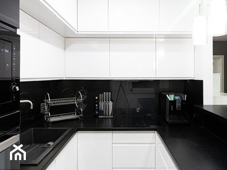 Aranżacje wnętrz - Kuchnia: Mieszkanie w stylu glamour w Kaliszu - Kuchnia, styl glamour - E Home Design. Przeglądaj, dodawaj i zapisuj najlepsze zdjęcia, pomysły i inspiracje designerskie. W bazie mamy już prawie milion fotografii!