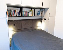 Mieszkanie z czarną kuchnią w Kaliszu - Sypialnia, styl nowoczesny - zdjęcie od E Home Design - Homebook
