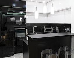 Mieszkanie w stylu glamour w Kaliszu - Kuchnia, styl glamour - zdjęcie od E Home Design - Homebook