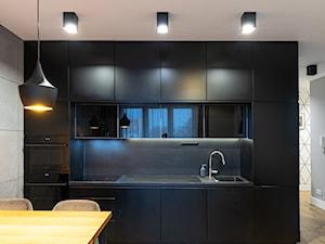 Mieszkanie z czarną kuchnią w Kaliszu