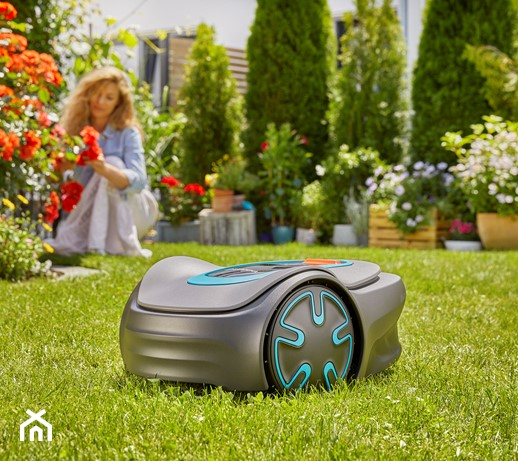 Robot koszący – co to jest i czym różni się od zwykłej kosiarki?