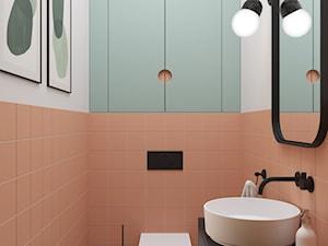 72, GIEŁDOWA - Mała biała różowa łazienka w bloku bez okna, styl vintage - zdjęcie od DZIURDZIAprojekt