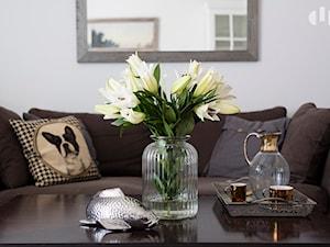 90m, Ochota, Wwa - Biały salon, styl glamour - zdjęcie od DZIURDZIAprojekt
