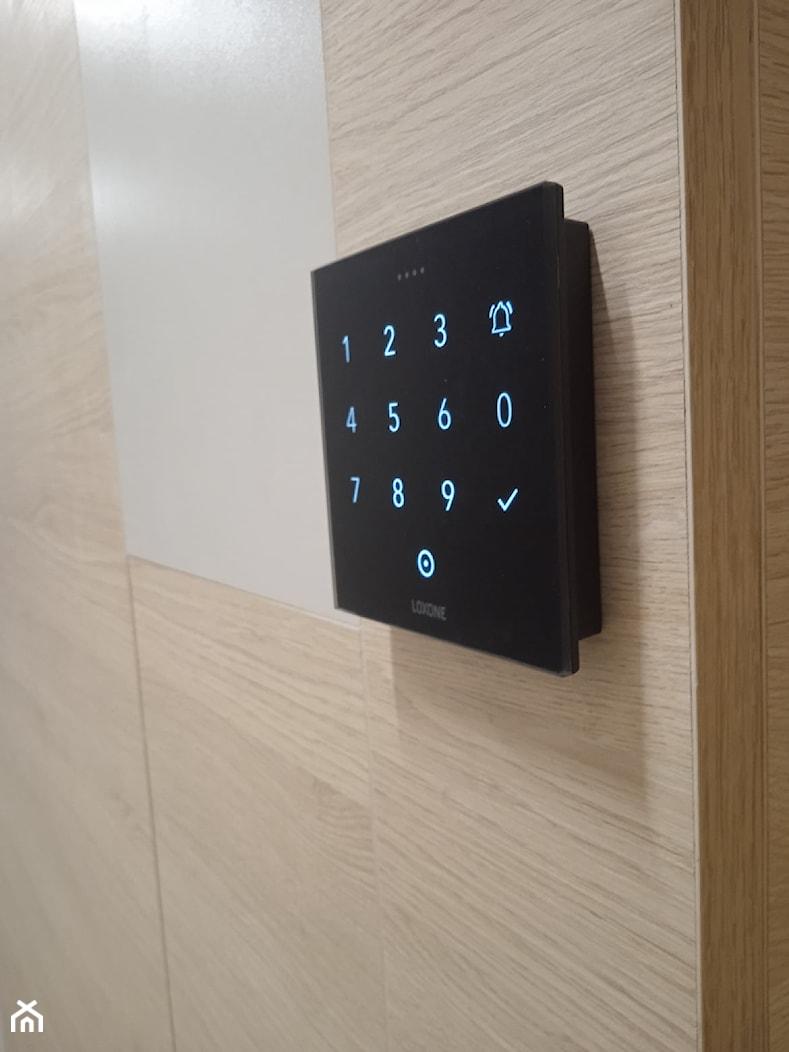 Klawiatura NFC w nowym wymiarze. - zdjęcie od BKW System Inteligentne instalacje smart home - Homebook