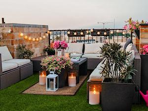 Dodatki na balkon i taras – sprawdź, jak w 5 krokach urządzić przytulny kącik relaksu