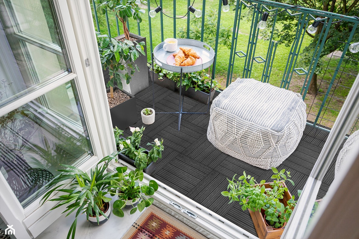 Piękny i przytulny balkon. - zdjęcie od E-floor - Homebook