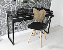 Apartament Staszica - Garderoba przy sypialni, styl nowoczesny - zdjęcie od NATALIA GIERASIMCZUK - ARCHITEKT WNĘTRZ