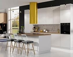 Biała kuchnia w stylu glamour - zdjęcie od Fabryka Mebli Layman - Homebook