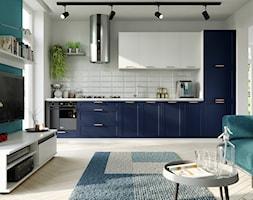Granatowo-biała kuchnia w stylu skandynawskim - kolekcja Navia - zdjęcie od Fabryka Mebli Layman - Homebook