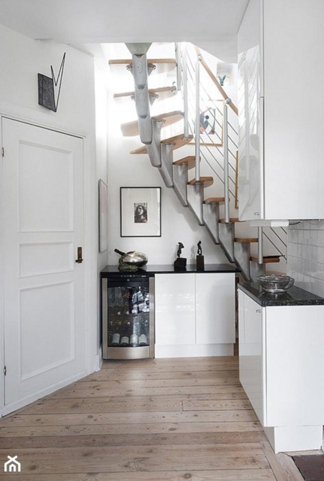 Pomys owe schody ma e w skie schody jednobiegowe for Escalier ouvert salon